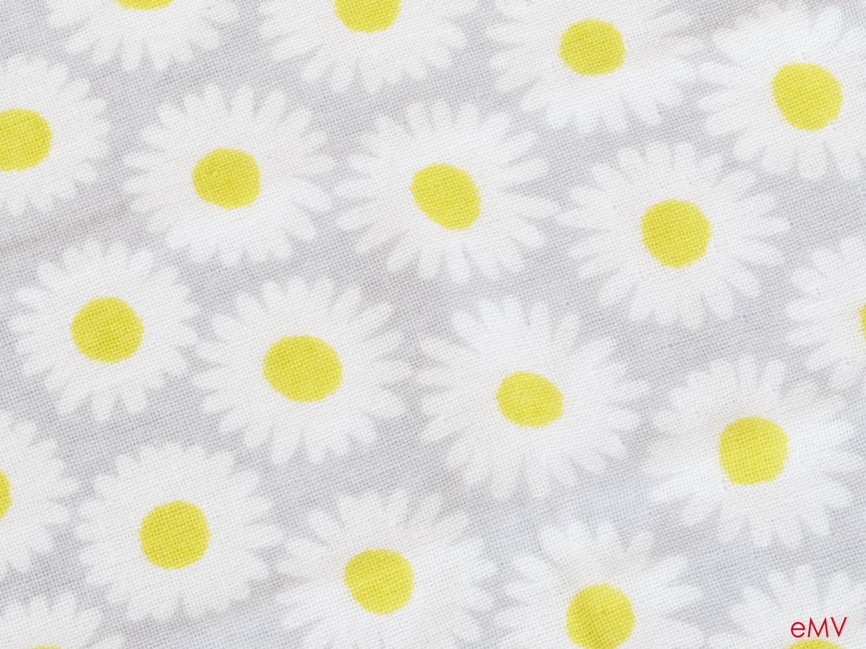 かわいいデザインで贈り物に嬉しいタオルハンカチ。HELLOBEAR タオルハンカチ3